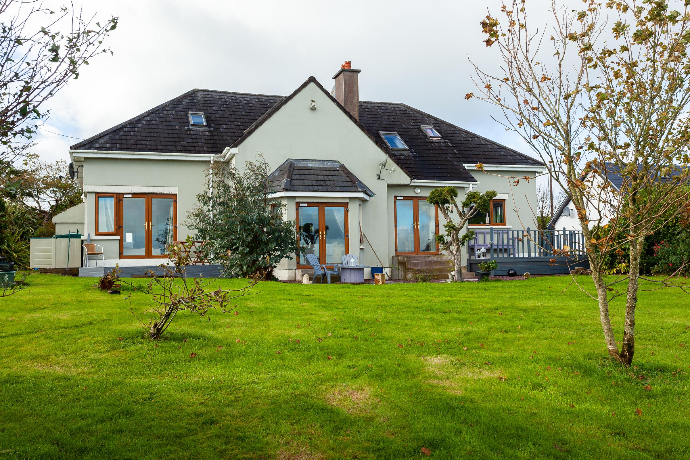 Little Rock, Knocknagoul, Farnanes, Cork. P14 YD57