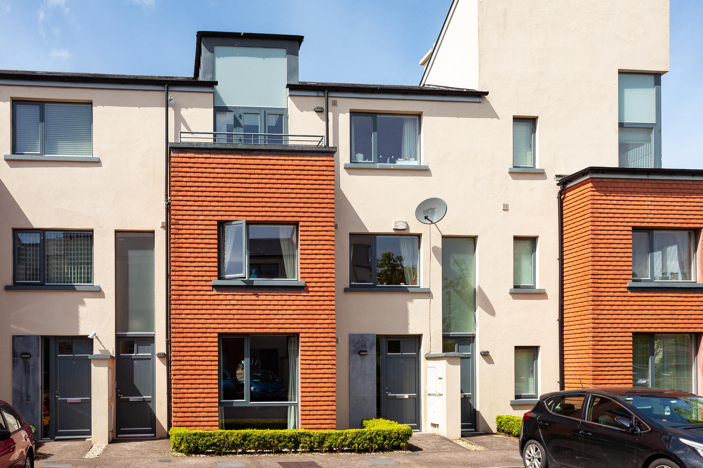 3, Bridgefield Court, Curraheen Road, Bishopstown, Cork.